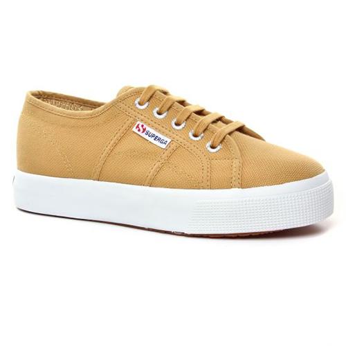 Sneakers compensées